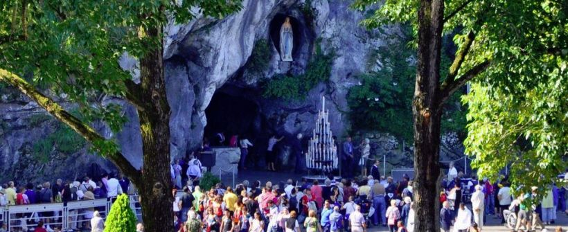 Financially assisting helpers to support sick and disabled adults on a trip to Lourdes